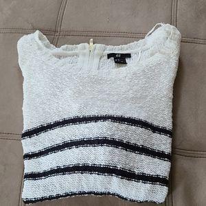 H&M Black & White Sweater Size Medium